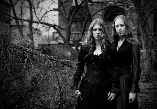 Темные сестры
